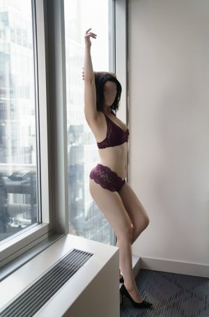 Avrile escort in Potomac Maryland