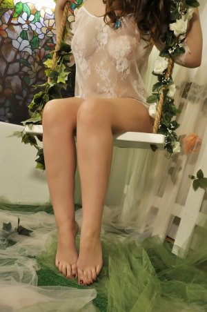 Ameni tantra massage in Madisonville & live escort