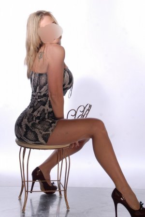 Faina escorts in Gardner KS, massage parlor