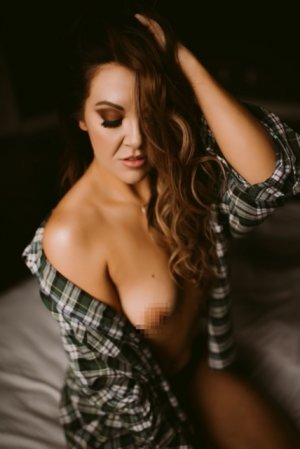 Lyz erotic massage