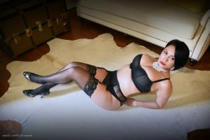 Cacilda escort girl and nuru massage