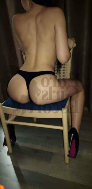 Mayra massage parlor, call girl