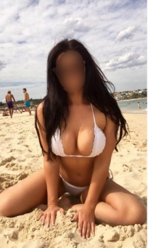 Amina live escort in Texarkana & tantra massage